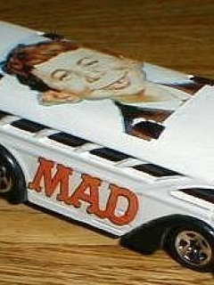 Toy Bus MAD Magazine (1/64 Scale) • USA