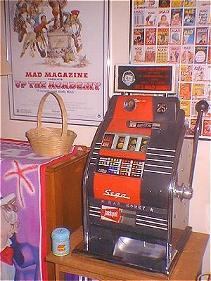 Slot Machine 'MAD Money' SEGA • Great Britain