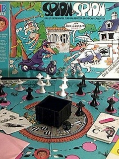 Board Game 'Spion & Spion' • Germany