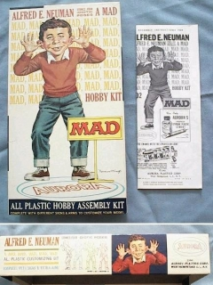 Go to Model Kit Plastic Alfred E. Neuman (Aurora Version) • USA