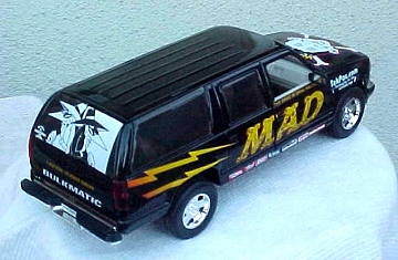 Die Cast Model MAD RacingChevy Suburban Truck (1/24) • USA