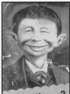 Go to Postcard Pre-MAD Alfred E. Neuman 'Me Worry?' • USA