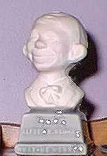 Bust 3 1/2' Alfred E. Neuman White on Grey Base • USA