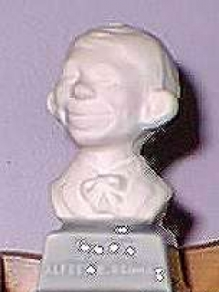 Go to Bust 3 1/2' Alfred E. Neuman White on Grey Base