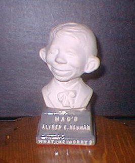 Bust 4 1/2' Alfred E. Neuman White on Grey Base • USA