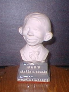 Go to Bust 4 1/2' Alfred E. Neuman White on Grey Base