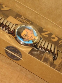 Go to Wristwatch Alfred E. Neuman - Warner Bros. Store • USA