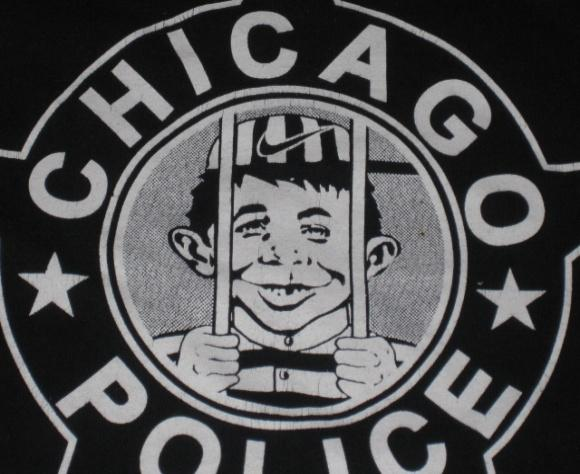 """T-Shirt """"Our Bars Never Close"""" with Alfred E. Neuman • USA"""