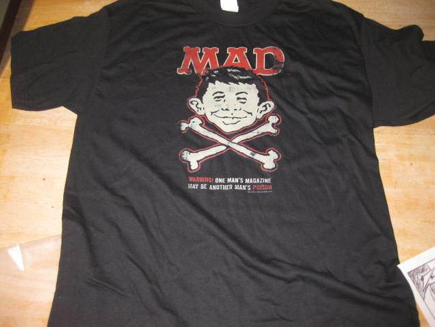 T-Shirt Alfred E. Neuman Skull and Crossbones • USA