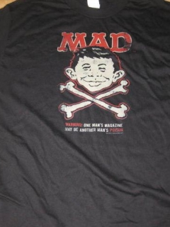 Go to T-Shirt Alfred E. Neuman Skull and Crossbones