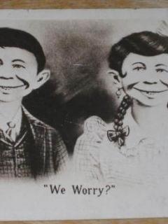 Go to Postcard Alfred E. Neuman w/ Sister MOXIE We Worry!
