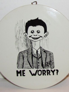 Go to Circular Wall Plaque Alfred E Neuman 'Me Worry?' • USA