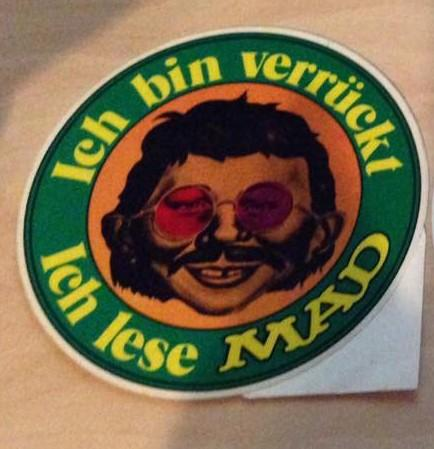 Sticker 'Ich bin verrückt - Ich lese MAD' (green version) • Germany