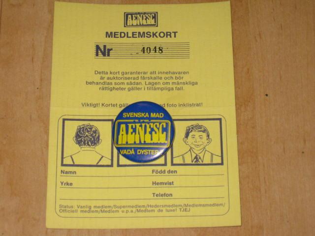 Membership Card w/ Pin Alfred E. Neuman Fan Supporter Club • Sweden