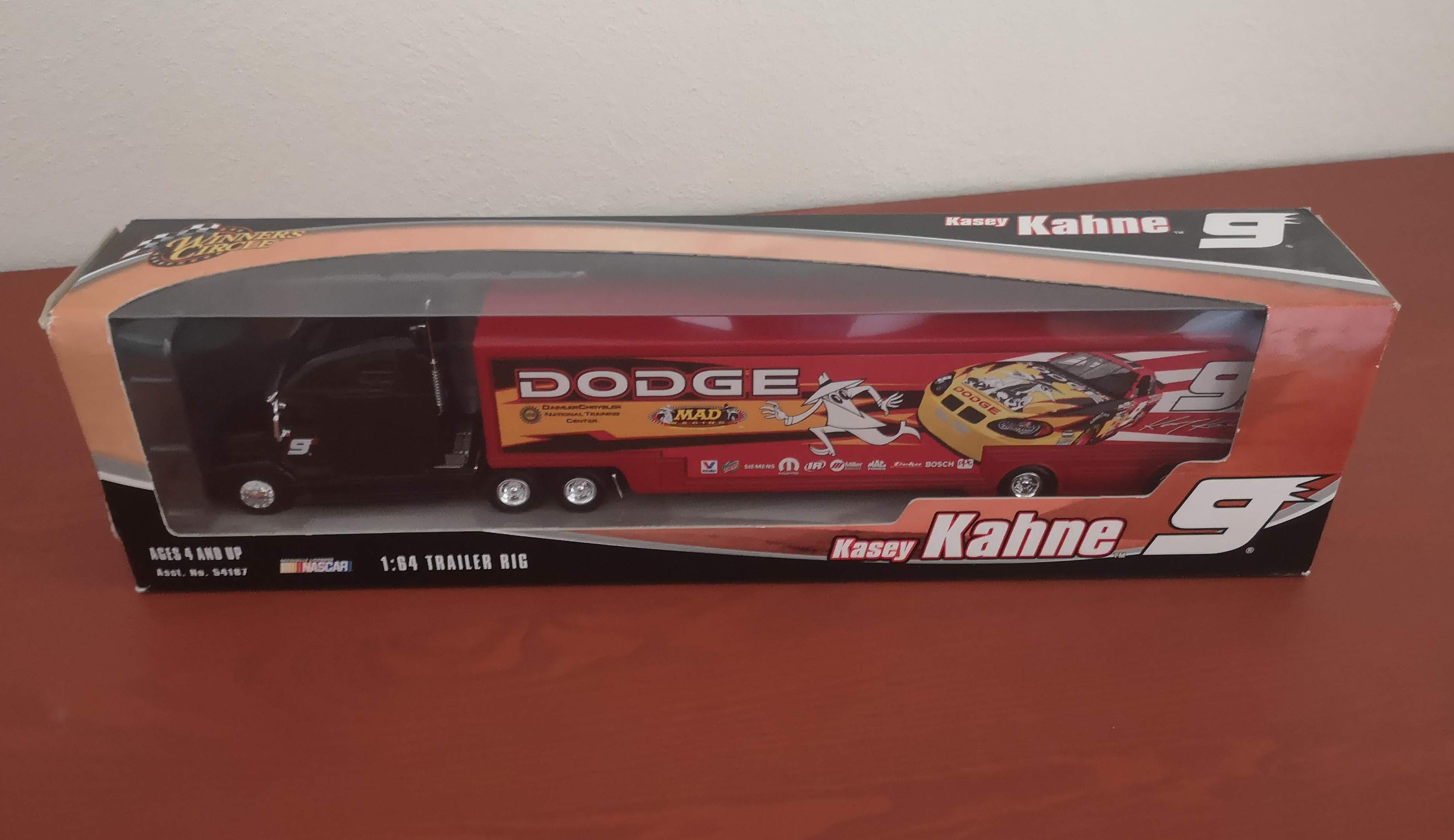 NASCAR Kasey Kahne #9 Winners Circle Mad Racing Diecast Semi Truck w/ Trailer • USA