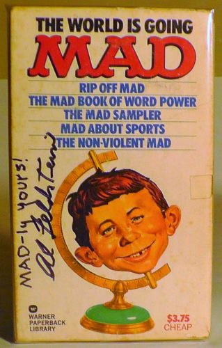The World is going MAD - Paperback Gift Set