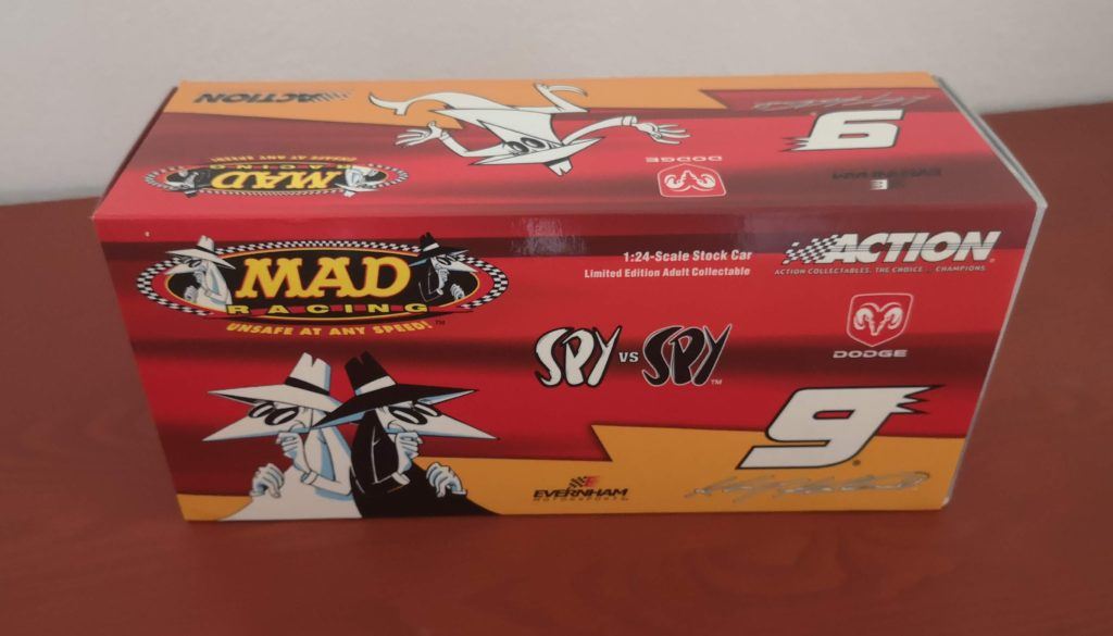 Kasey Kahne #9 MAD Magazin / Spy vs Spy Dodge 2004